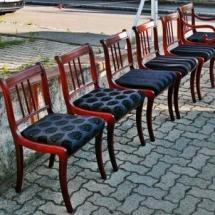 Mahagonifarbene Esszimmerstühle. Esszimmerstühle renovieren.