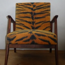 Sessel mit Tigermuster