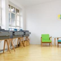 die beiden 50er Sessel stehen bei Iris Merkle. Fingerglück in Stuttgart. Fotographie Tanja Ganzer