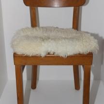 Holzstuhl mit Fell, 50er Jahre Holzstuhl, Vintage Stuhl